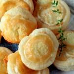 hojaldres de queso de cabra