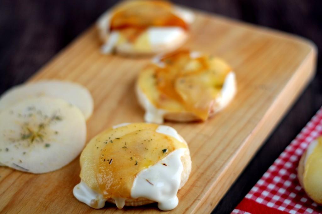 hojaldres con manzana y queso