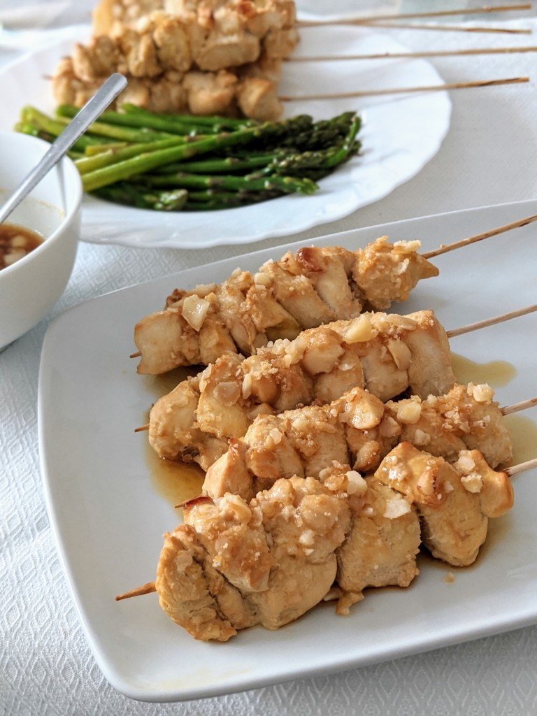brochetas-picantes-pollo-nueces
